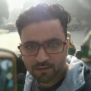 Manish Rayat - New Delhi - Builder